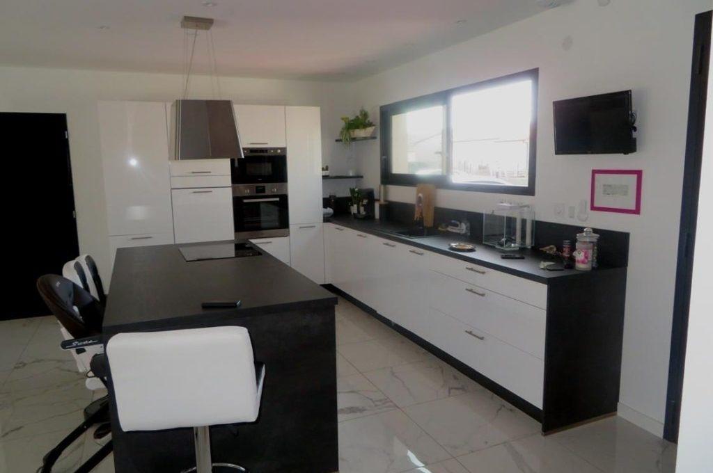 is14-maison-lavernose-cuisine-1