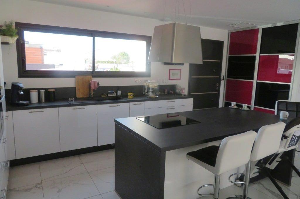 is14-maison-lavernose-cuisine-3