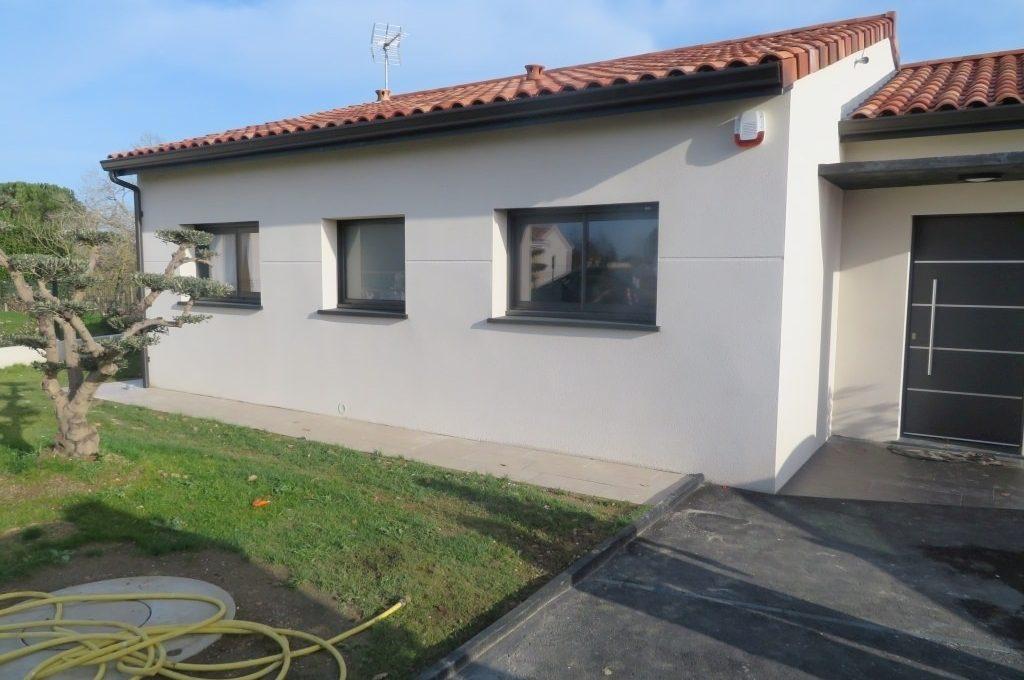 is14-maison-lavernose-externe-rue