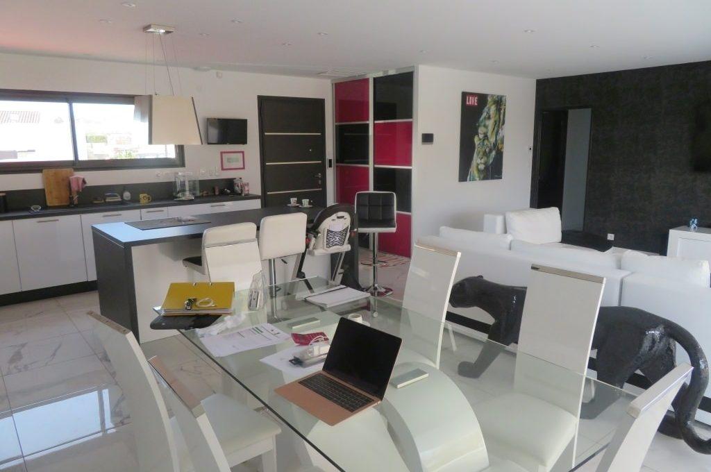 is14-maison-lavernose-manger
