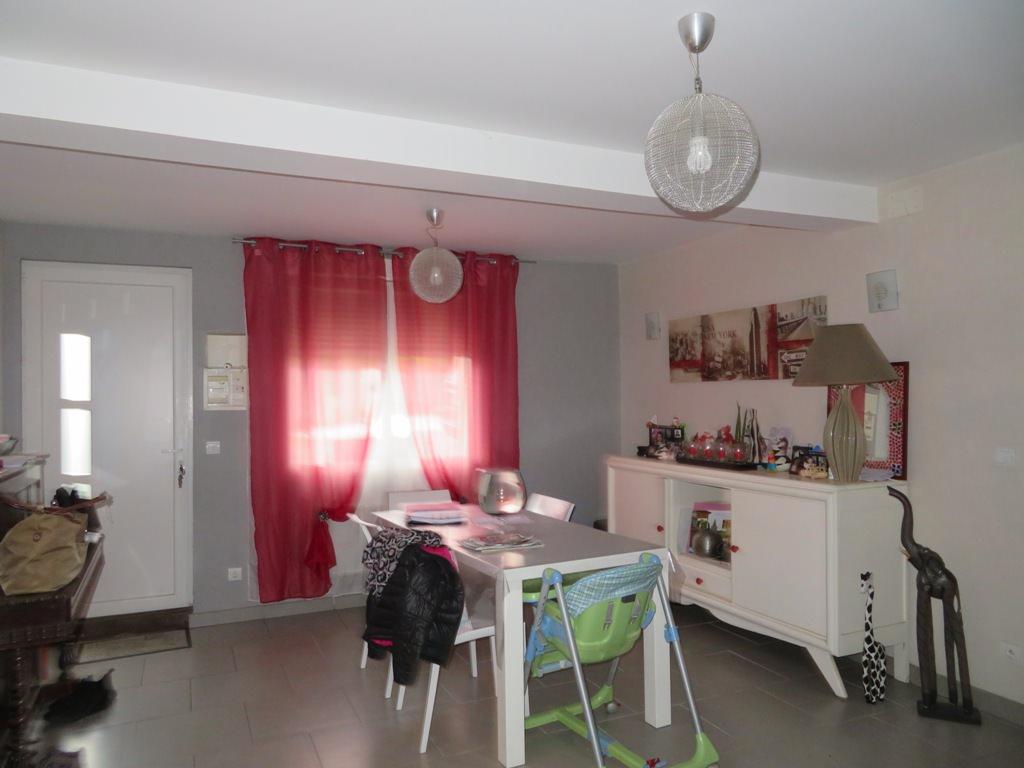 Rieumes Centre, charmante maison de village T4, 85 m² hab. avec garage et terrasse.