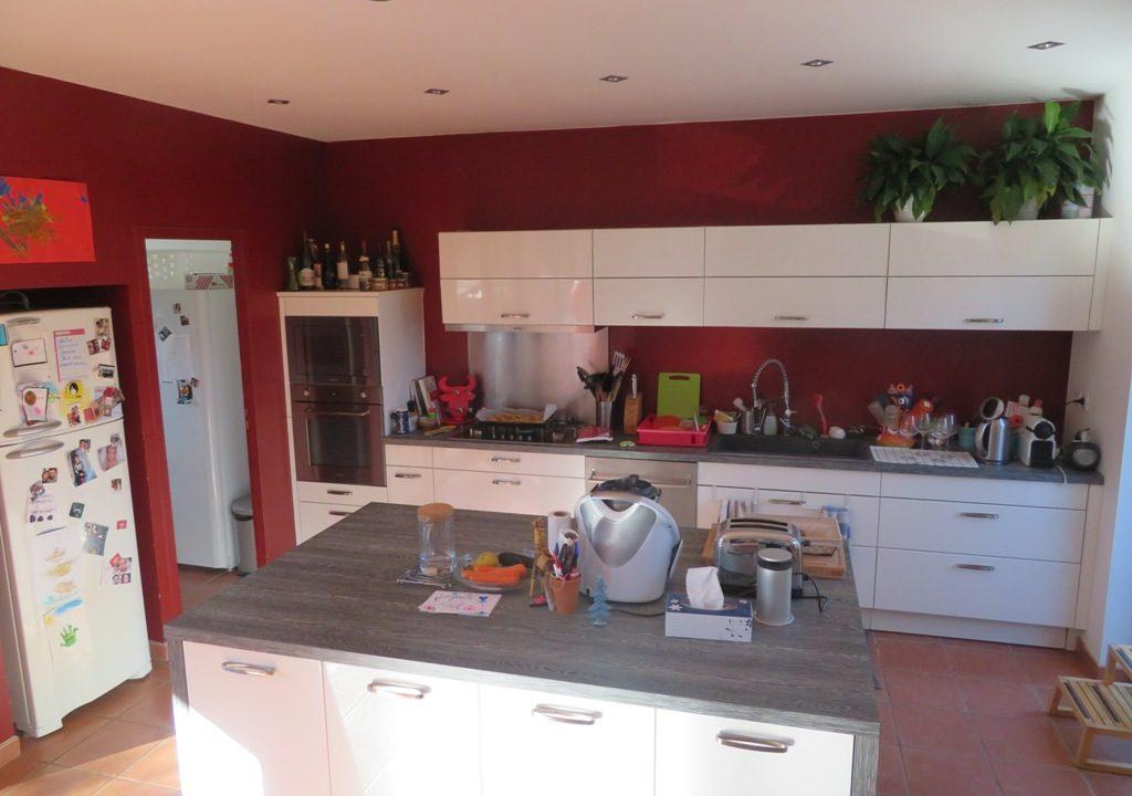 br-028-maison-entre-rieumes-samatan-monblanc-cuisine-principale
