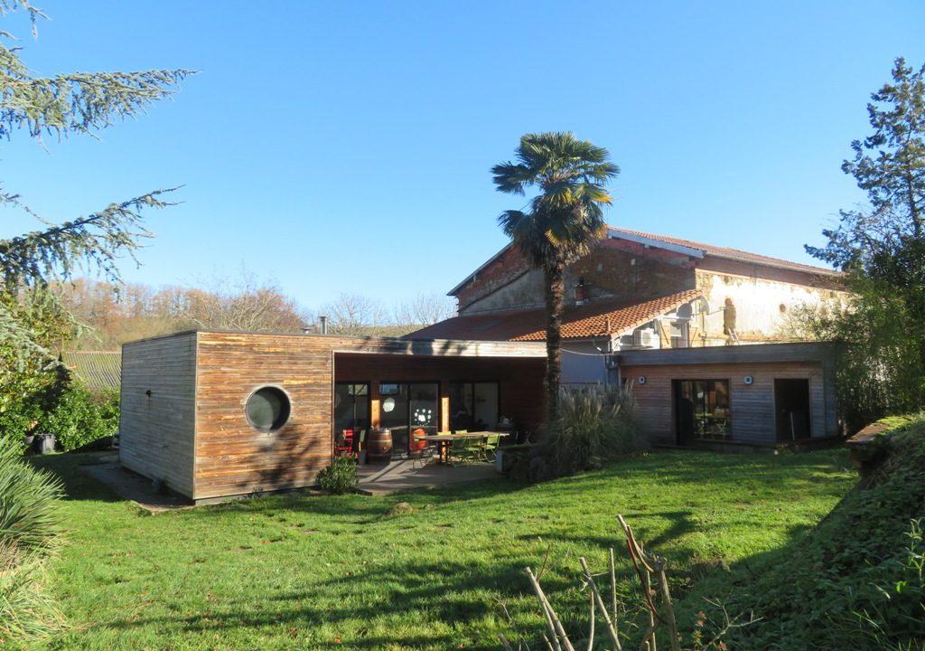 br-028-maison-entre-rieumes-samatan-monblanc-facade-principale-eloignee