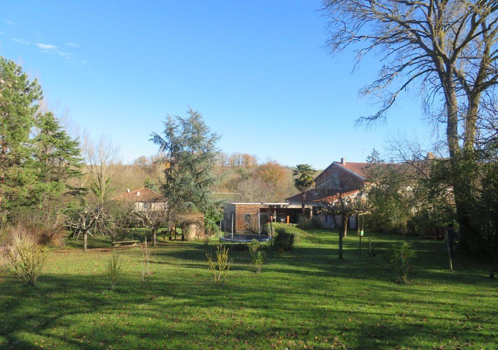 br-028-maison-entre-rieumes-samatan-monblanc-jardin-4