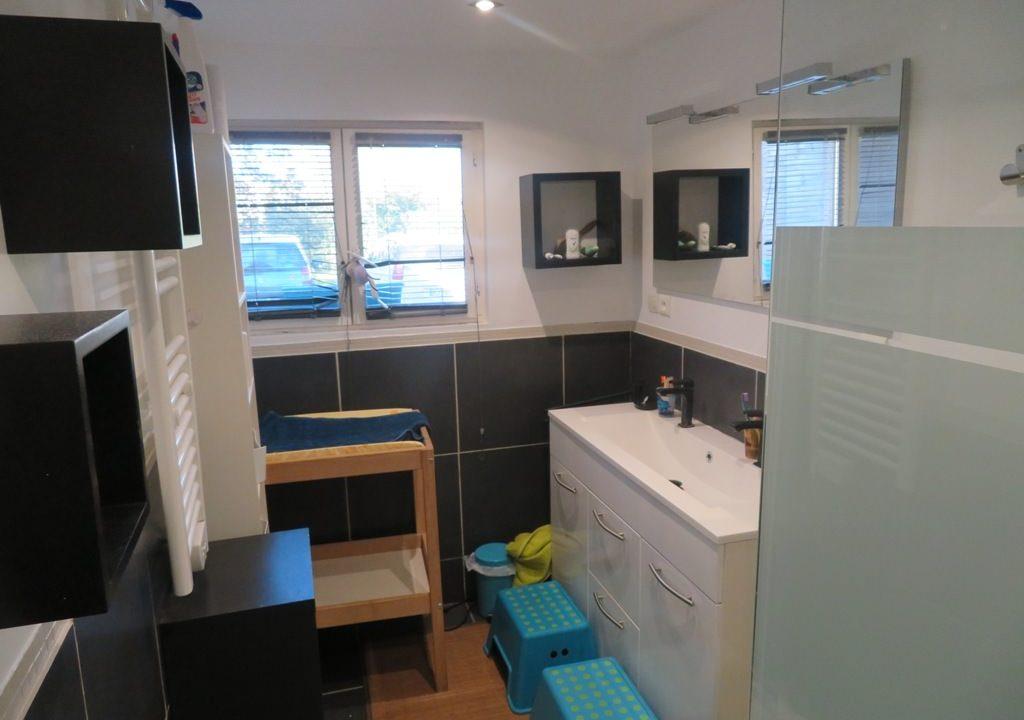 br-028-maison-entre-rieumes-samatan-monblanc-salle-d-eau-1