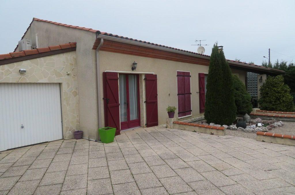 is-003-maison-st lys-facade-cote