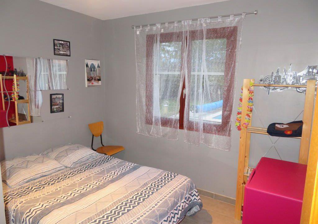 is-008-maison-secteur-rieumes-chambre