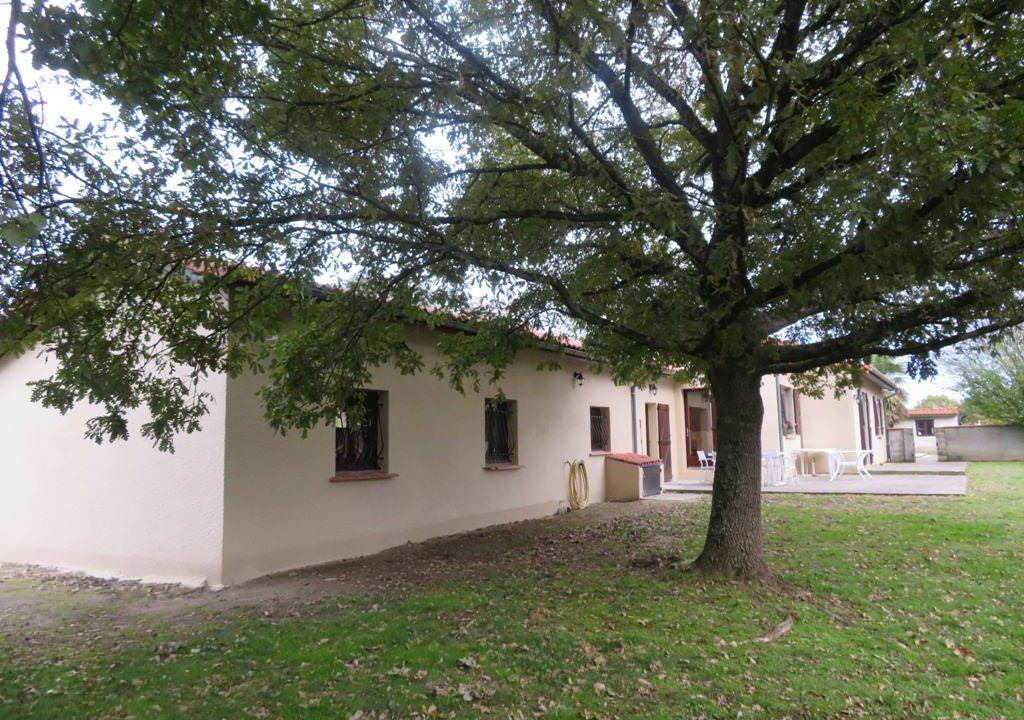 is-008-maison-secteur-rieumes-facade-côté