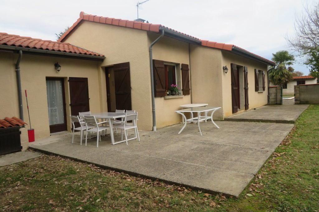 is-008-maison-secteur-rieumes-terrasse