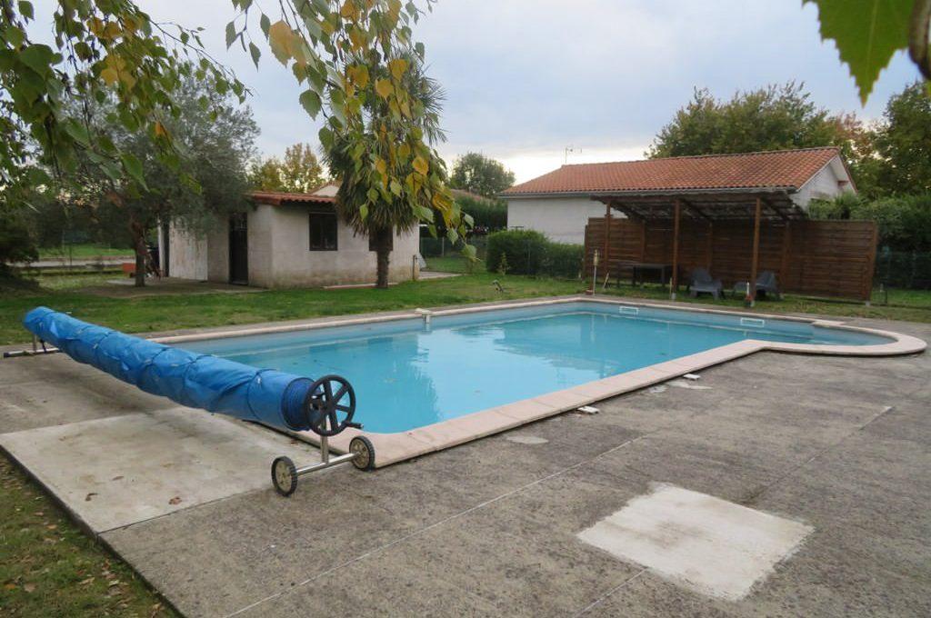 is-008-maison-secteur-rieumes-terrasse-piscine