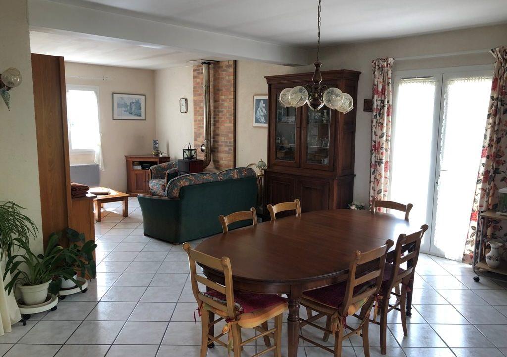 is-015-maison-canton-de-rieumes-salle-a-manger
