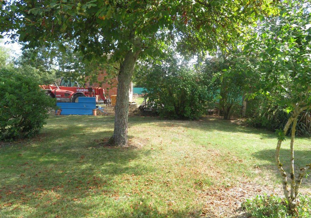 is-022-maison-rieumes-jardin-dependance