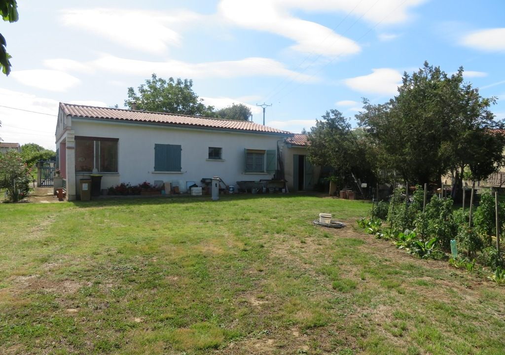 is-022-maison-rieumes-jardin-facade 4