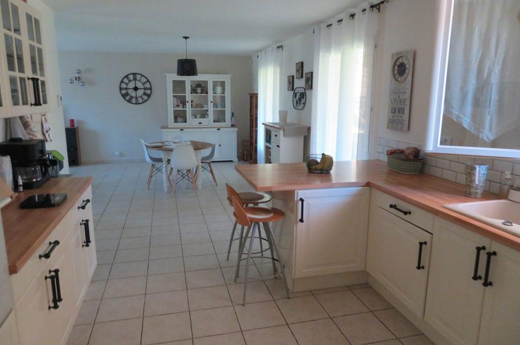 is 017 maison rieumes centre villa cuisine 3
