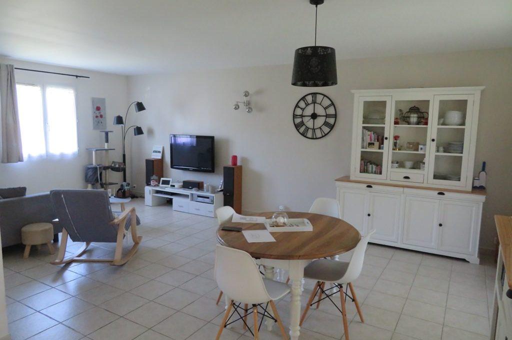 is 017 maison rieumes centre villa salle a manger