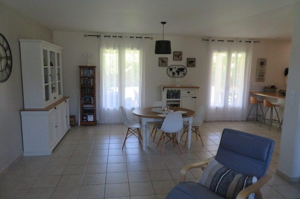 is 017 maison rieumes centre villa salle a manger 2