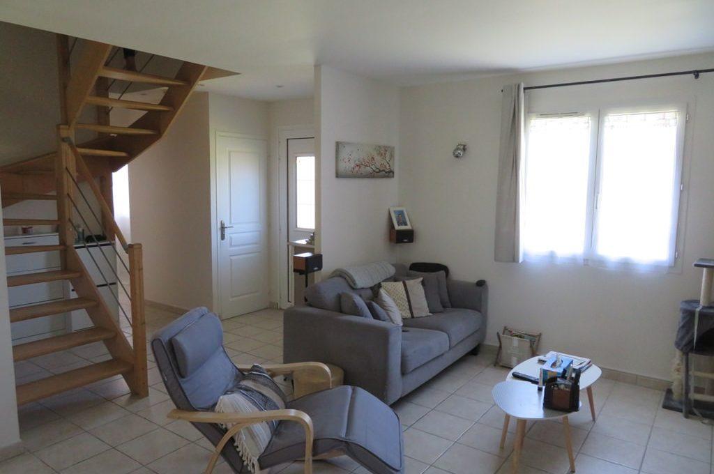 is 017 maison rieumes centre villa salon