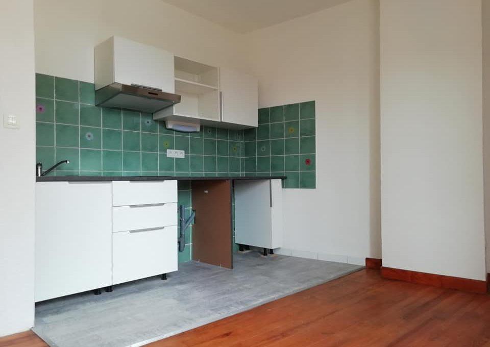 ss 110 appartement T2 centre rieumes cuisine