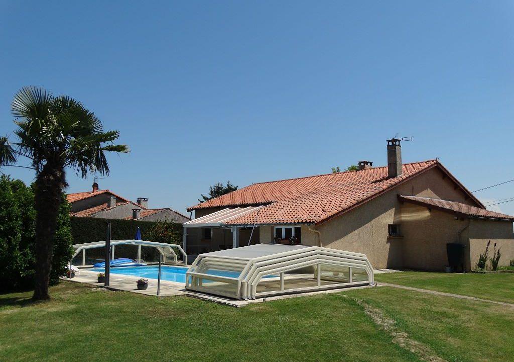 iis 006 villa canton de rieumes facade exterieur