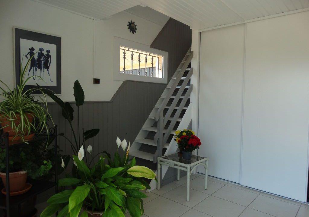 is 006 villa canton de rieumes hall