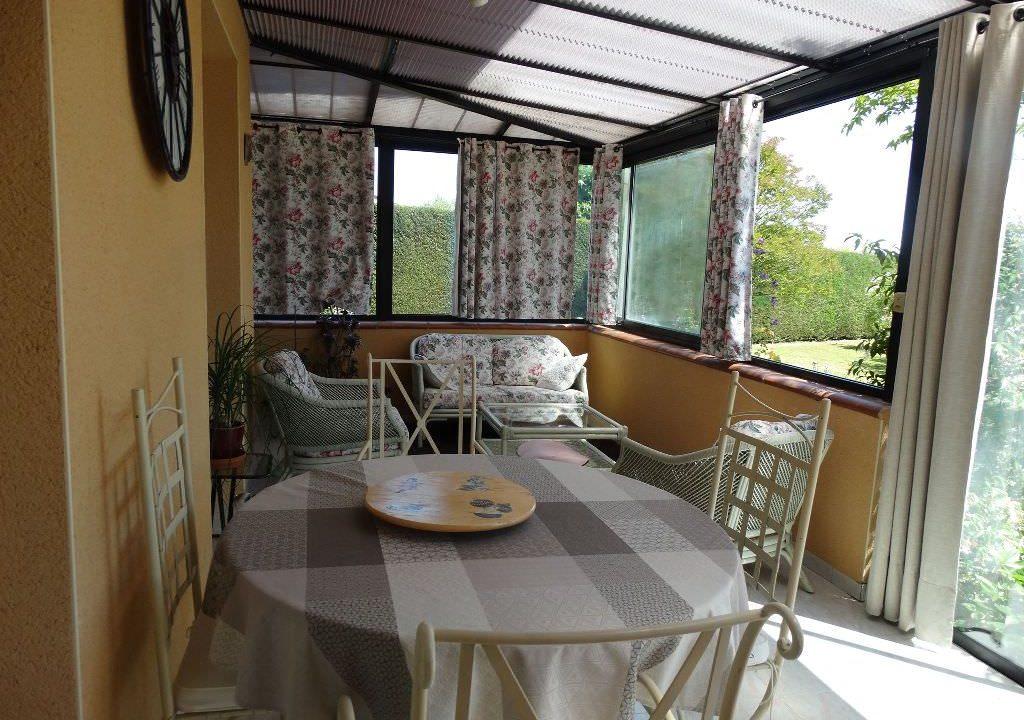 is 006 villa canton de rieumes veranda 1
