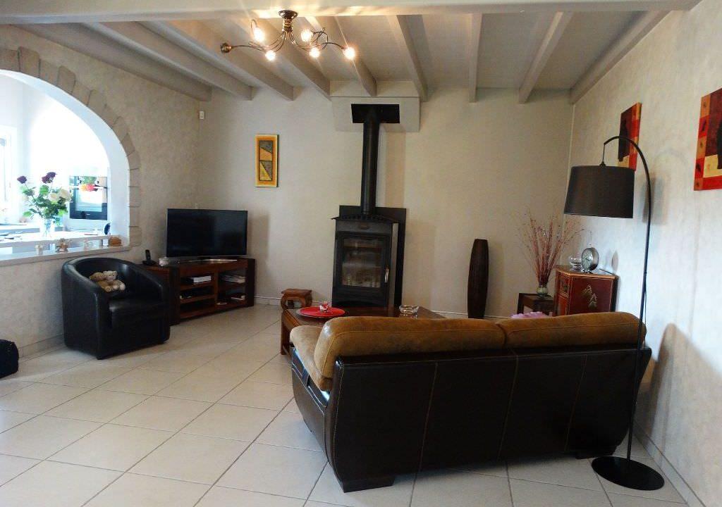 is 006 villa canton rieumes salon