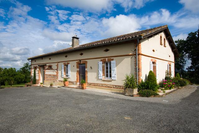 is 015 maison de caractere rieumes facade 1 2