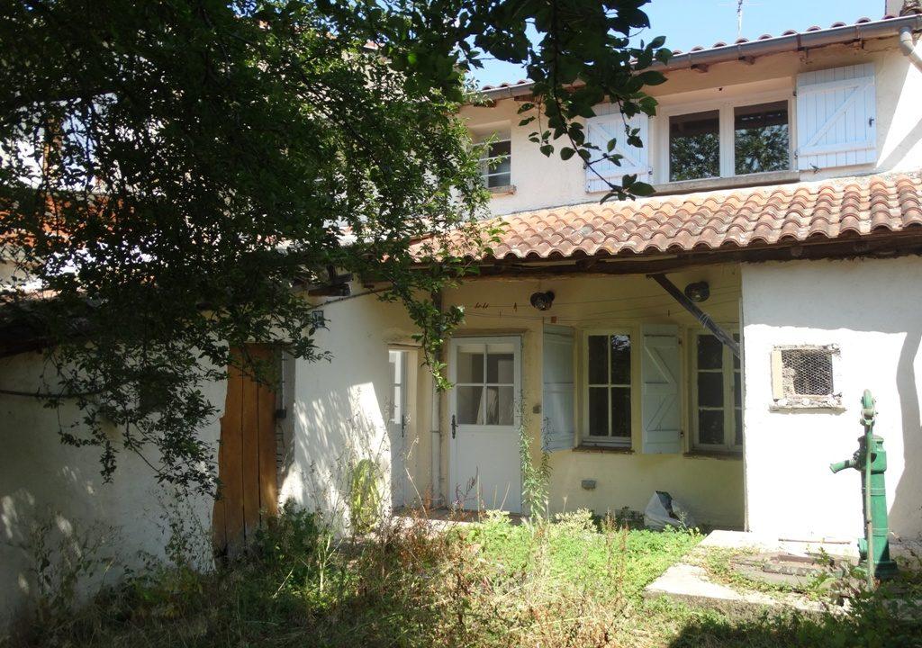 is 030 maison de village facade principale 1