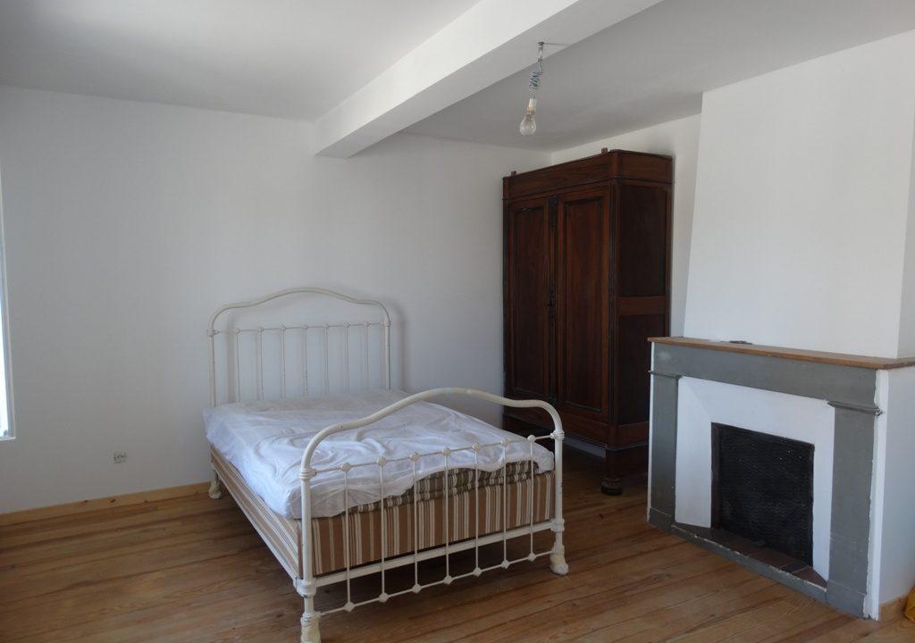 is 030 maison de village rieumes chambre etage