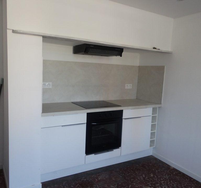 is 030 maison de village rieumes cuisine 2