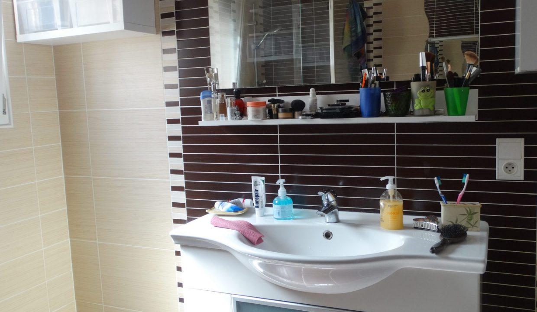is 017 berat maison de village centre jardin meuble vasque salle d eau