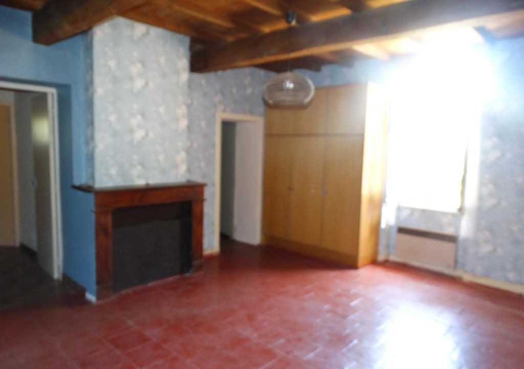 is 023 ferme hectares a renover chambre 2 1