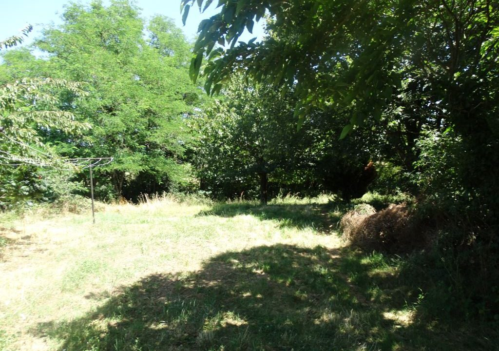 is 023 ferme hectares a renover terrain vue 1
