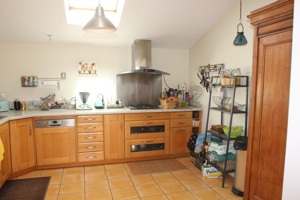 is 003 villa rieumes cuisine 1