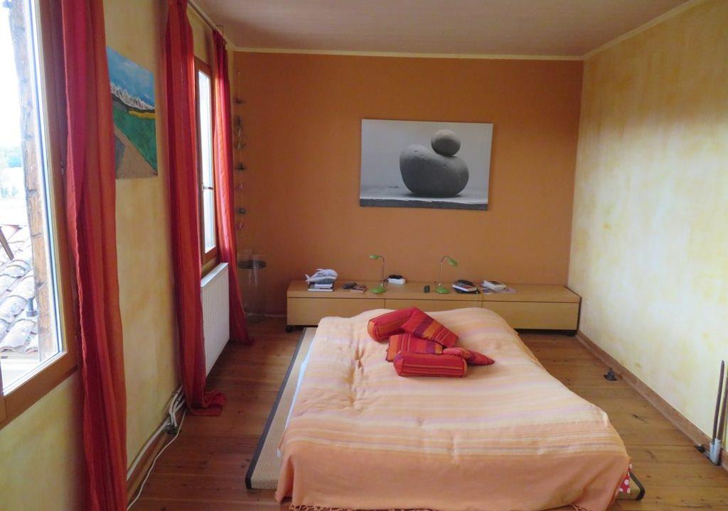 is 005 ferme st lys jardin vue sur les pyrenees calme chambre