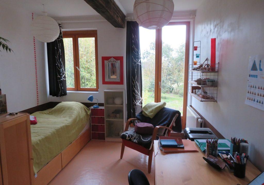 is 005 ferme st lys jardin vue sur les pyrenees calme chambre poutres apparentes