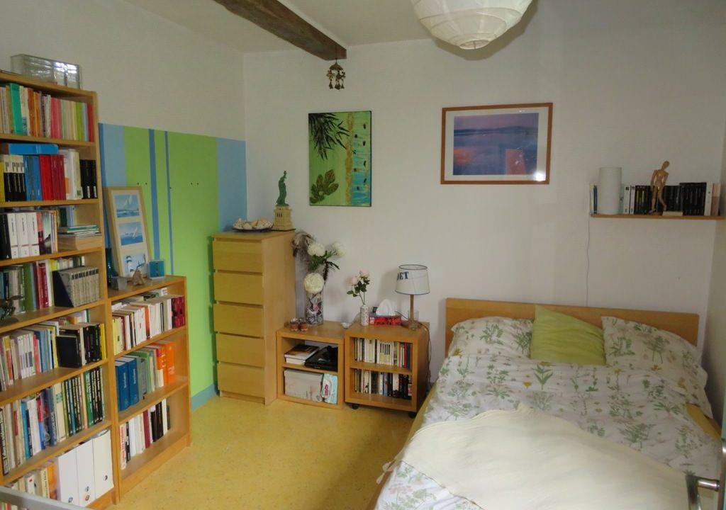 is 005 ferme st lys jardin vue sur les pyrenees calme chambre3