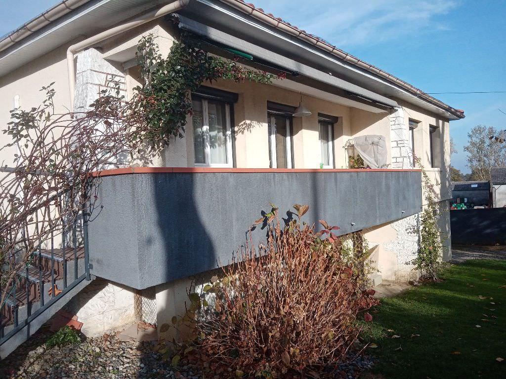 Rieumes, villa T3, 78 m² hab. sur 970 m² de terrain.