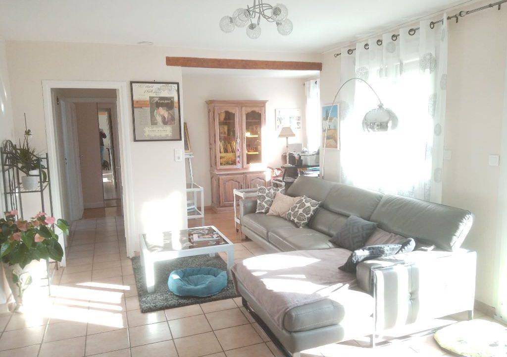 is 025 villa rieumes salon