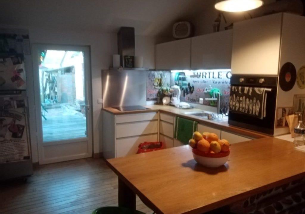 br 007 maison de village cuisine