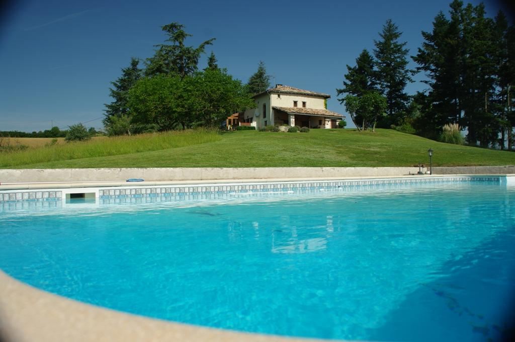 is 019 propriete tarn piscine vue 1