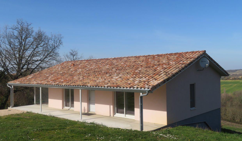 is 009 villa T3 rieumes facade2