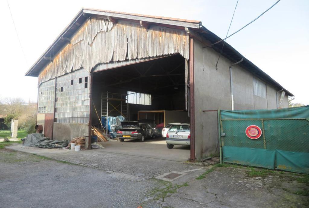 br 019 facade principale le fousseret hangar