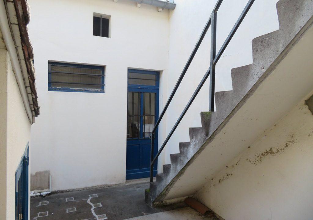 is 003 maison de village rieumes patio interieur 1