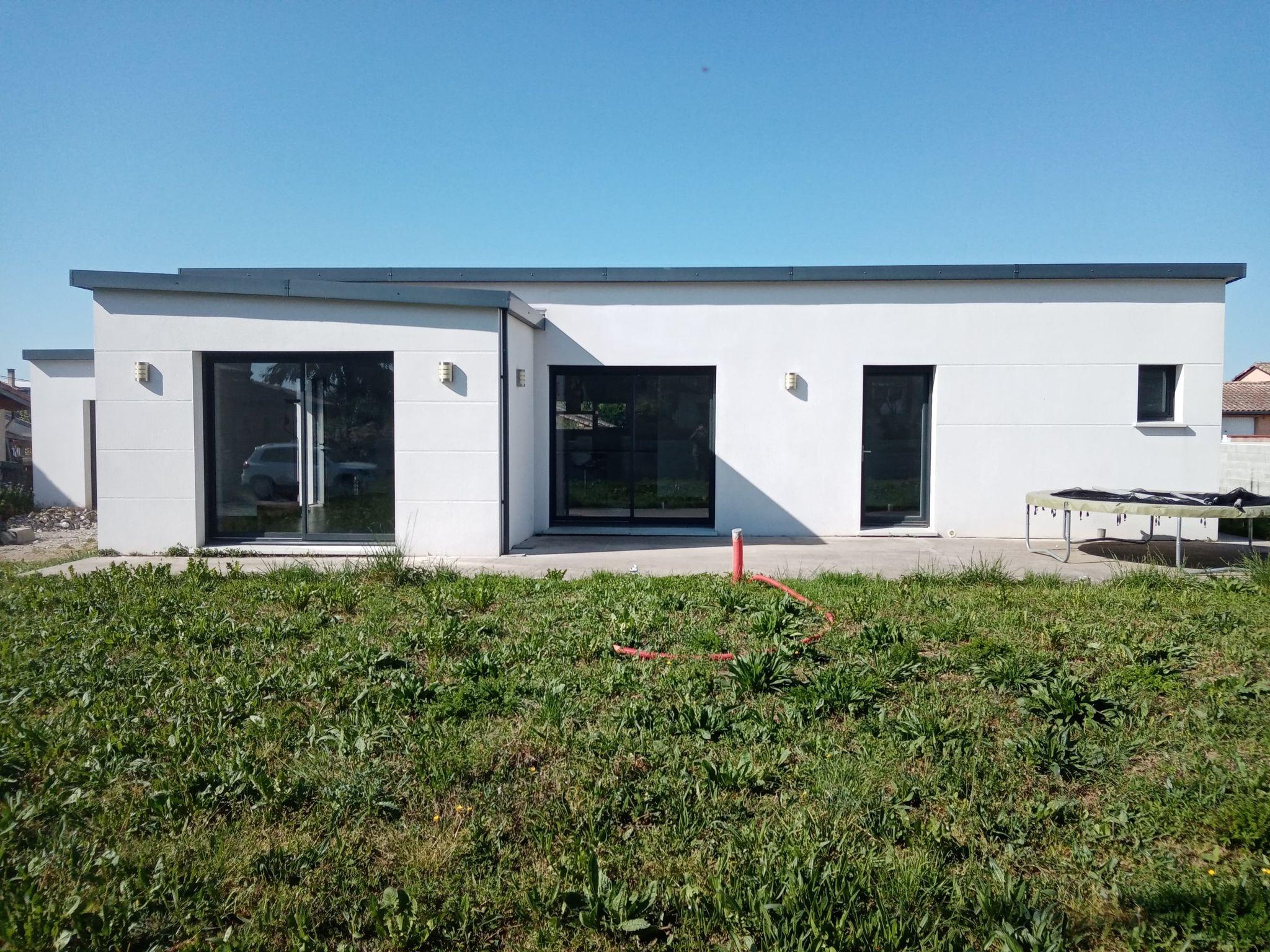 St Lys, villa T4, 116 m² hab., avec garage, sur 750 m² de terrain.