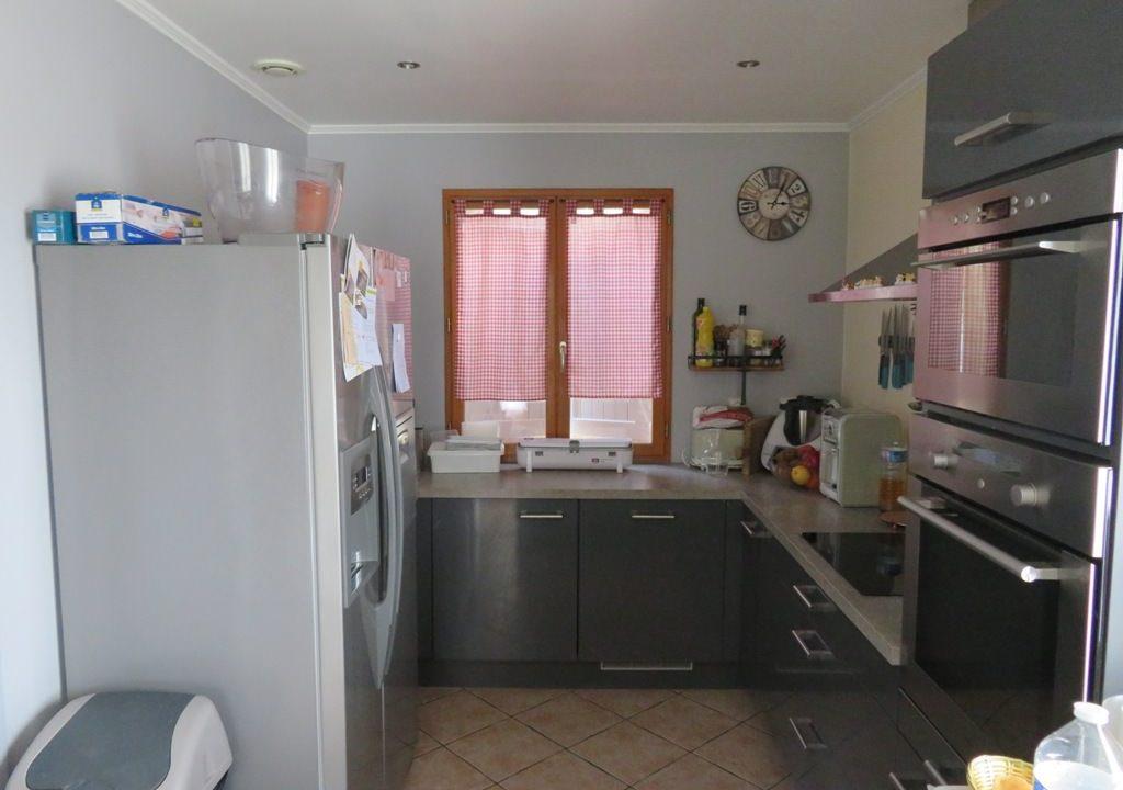 br 009 villa centre rieumes cuisine