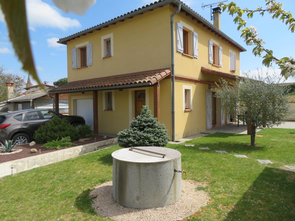 EXCLUSIVITE ! Rieumes Centre, villa T6, 115 m² hab. sur 618 m² de terrain.