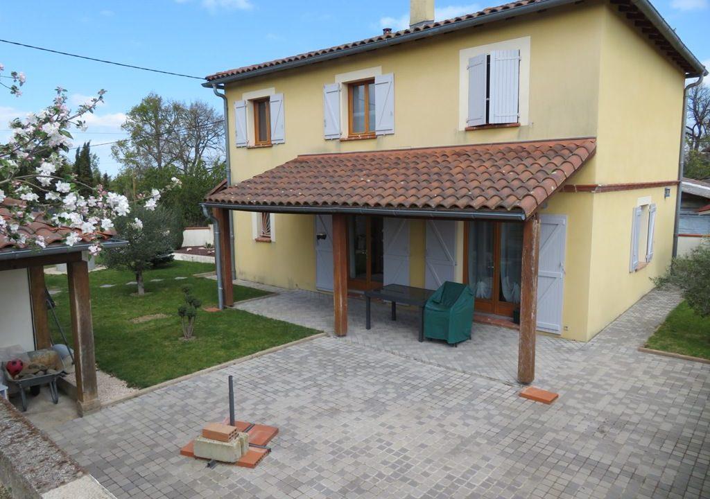 br 009 villa centre rieumes facade terrasse