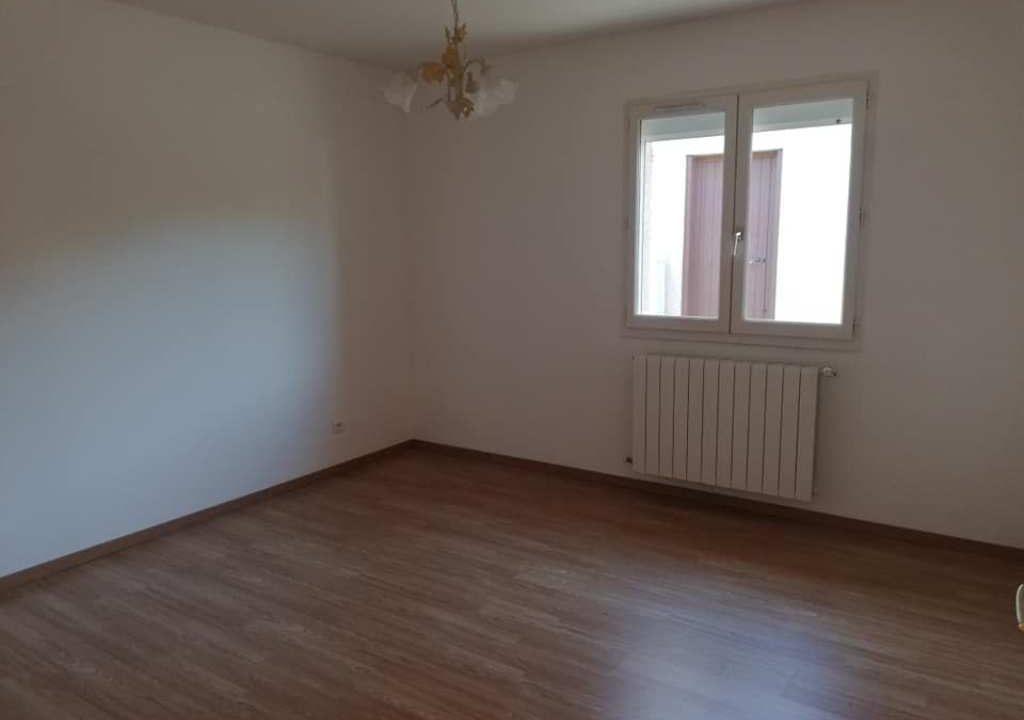 is 001 villa rieumes centre chambre 2