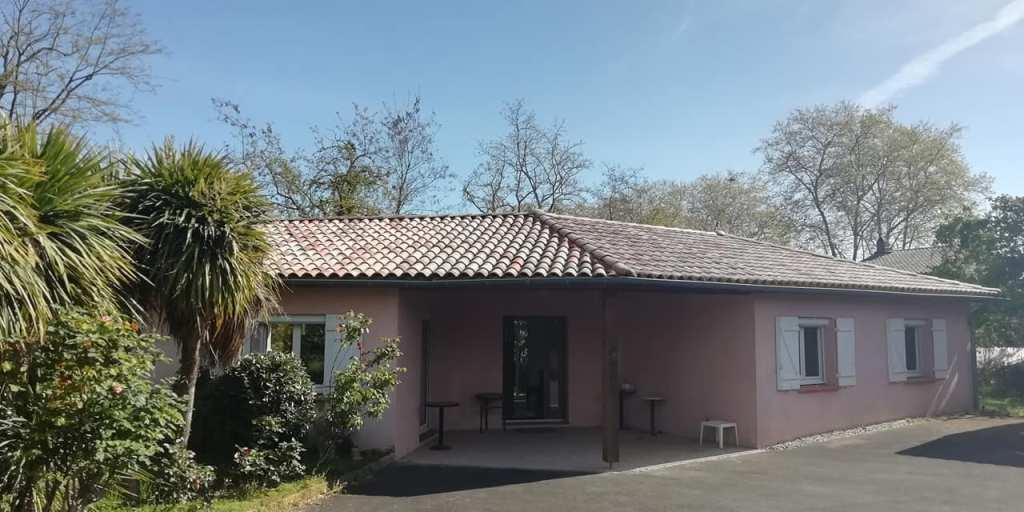 EXCLUSIVITE ! Rieumes Centre, villa T4, de plain pied, 138 m² hab., sur 1150 m² de terrain.